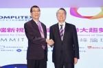 스탠 시(Stan Shih) 에이서 회장(우)과 차이 밍카이(Tsai Ming-kai) 미디어텍 회장(좌), 컴퓨텍스 타이페이 2014 서밋 포럼에서 양사의 파트너십 선언