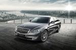 쌍용자동차가 안전성과 편의성, 품격을 높인 대한민국 CEO 플래그십 세단 체어맨 W 2015를 새롭게 선보인다고 16일 밝혔다.