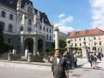 류블랴나 대학 앞에 선 하리스코 김무진 대표