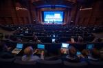 리눅스재단에서 개최한 2013년 행사 모습이다.