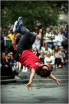 시티 오브 런던 페스티벌 City of London Festival, COLF 일환으로 6월 30일(월) 영국 런던 세인트 폴 대성당 앞에서 진행된 서울시 대표 비보이 갬블러 크루 공연 모습이다(사진제공 에이투비즈)