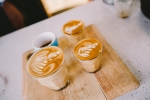 호주에서는 카페, 플랫 화이트 등은 유리 잔에 나온다.