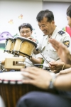 서울문화재단은 경찰공무원들의 업무로 인한 스트레스와 각종 범죄로 인한 외상 후 스트레스 장애 예방을 위해 음악치료 프로그램 해피 투게더를 진행한다.