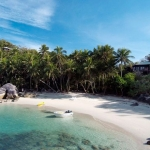 베레라 아일랜드 리조트(Bedarra Island)의 전경이다.