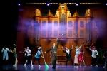 댄스시어터 샤하르 발레단이 8월 16(토)∼17일(일) 국립극장 해오름극장에서 크로스오버 창작발레 이상한 챔버 오케스트라를 공연한다.