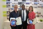 매리언 웨이스(Marion Weiss)와 마이클 맨드레디(Michael Mandredi)가 최근 태권도 명예의 전당(Official Taekwondo Hall of Fame)(사무총장 제라드 로빈스)으로부터 특별 표창을 받았다.