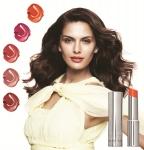 글로벌 코스메틱 브랜드 메리케이가 촉촉하고 광택 있는 프리스티지 립스틱 트루 디멘션 립스틱의 5 가지 컬러를 새롭게 선보인다.