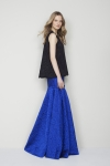 CH 캐롤리나 헤레라가 FW 여성복 컬렉션을 선보이고 있다.