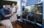 삼성전자가 유럽 최대 가전 전시회 IFA 2014에서 신규 스마트TV 콘텐츠 서비스를 대거 선보인다. 사진은 삼성전자 모델이 서초동 삼성전자 딜라이트에서 신규 스마트TV 콘텐츠들을 선보이는 모습.