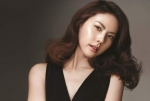 바비 브라운이 가수 박지윤을 새로운 캠페인 모델로 발탁하고 최근 강남의 한 스튜디오에서 화보 촬영을 진행했다.