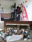 30도 안팎의 늦더위가 기승을 부리던 지난 23일, 봉사를 실천하는 이웃이라는 의미를 지닌 봉사단체, 봉실이 회원 60여명이 홍은동을 찾아 벽화 나눔에 임했다.