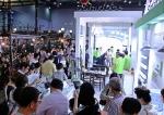 일산 킨텍스에서 열린 MBC 건축박람회에 참가한 국내 LED 조명 선두기업 솔라루체 전시 부스가 연일 관람객들로 북적이고 있다.