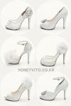 허니비토는 웨딩수제화 전문 브랜드로 신부가 원하는 스타일로 맞춤제작이 가능하다.