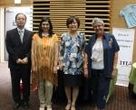 국제장난감도서관협회 신시아 모리슨(Cynthia Morrison, 남아공) 회장(좌측 두번째)과 쟌 피에르 코넬슨(Jean Pierre Cornelissen, 벨기에) 부회장(우측 첫 번째)과 기념촬영을 하고 있는 중앙사이버평생교육원 신은희 원장(우측 두 번째)