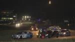 2013시즌 GT 클래스 차량들이 야간 서킷을 달리고 있다