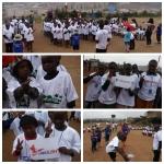 태글리쉬 교육봉사 활동 중 단체 티셔츠를 증정했다.