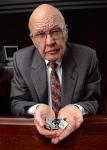 집적 회로(Integrated Circuit, IC)를 발명한 TI의 잭 킬비(Jack Kilby)