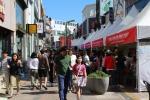 2014가을독서문화축제 부스에 많은 사람들이 참가하였다. (사진제공: 큐라이트엘이디)