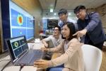 12일, 삼성전자 수원 디지털시티의 DMC연구소에서 연구원들이 차세대 60GHz 와이파이 기술을 시연하고 있다.