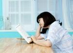 밤 사이 충분한 수면을 취한 뒤에도 낮 시간에 심한 졸음으로 학업을 진행하기 어렵다면 과다수면을 의심해봐야 한다.