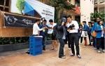 동명대 보부상 지난해 태국 현지에서의 지역기업 제품 세일즈 장면이다.