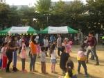 18일 삼전종합사회복지관이 주최하는 삼전어울림축제가 진행됐다. 사진은 미니가족체육대회 긴줄넘기를 하는 모습
