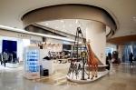 세기P&C(대표 이봉훈)는 24일 서울 잠실 롯데월드몰 명품관에 카메라 편집샵 엘카메라(EL CAMERA)를 정식오픈한다고 밝혔다.