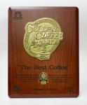 카페 코나퀸즈는 2014 골든커피어워드에서 1위를 수상했다.
