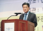 예스24 김기호 대표가 제11회 어린이독후감대회 시상식에서 개회사를 하는 모습