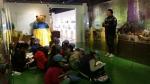 삼정더파크 동물원 내 개장한 장난감 박물관(월드토이뮤지움)을 찾은 부산 글로벌빌리지 어린이 기자단이 열띤 취재를 하고 있다.