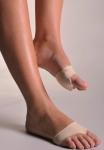 파마라스틱(FARMALASTIC)이 발 건강을 전문적으로 예방관리하는 포돌로지(Podology) 시리즈를 출시했다. 사진은 발바닥 보호대(플랜타드 패드)