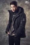 한국미즈노가 2014 FW 구스다운 '블랙기어'를 출시하고, 배우 홍종현이 블랙기어를 착용하고 촬영한 화보를 공개했다.
