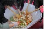 15일 12시 반에는 200인분 비빔밥을 함께 만들어 나눠먹는 행사를 진행한다.