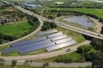 한화큐셀코리아가 한화솔라원의 모듈을 이용해 진천IC의 유휴부지에 건설한 1MW 규모의 태양광 발전소