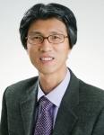 한국회계정보학회 우수논문상을 수상한 건국대 심충진 교수