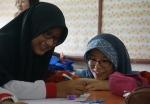 말레이시아에 파견된 한국 교사가 수업을 진행 중이다.