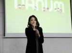 아름다운가게 홍보대사로 활동 중인 배우 이세은이 모교를 방문해 후배들에게 나눔교육을 진행했다.