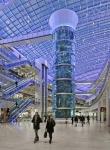 세계 최대 길이의 실린더형 아쿠아리움이 유럽 최대 쇼핑센터인 모스크바 아비아 파크 쇼핑센터에서 공개됐다.