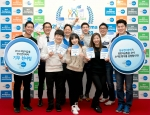 한국먼디파마 기부천사로 선정된 주피터(JUPITER)팀(동전 14kg, 무게 1위)과 컨슈머헬스사업부(27만원, 지폐총액 1위)이 소아암 환자의 생계를 지원하는 '희망나눔기금'을 위한 기념행사를 가졌다.
