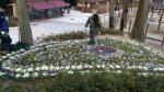 꽃 화단 조성에 한창인 삼정더파크 동물원