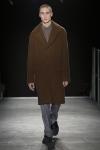 WOOYOUNGMI는 파리 남성복 패션위크 기간인 24일, 2015년도 가을/겨울 새로운 컬렉션을 성황리에 선보였다.