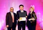신한은행은 인도 뭄바이 소재 트라이던트 호텔에서 2월 5일부터 7일까지 3일간 열린 GPTW 주관 아시아 일하기 좋은 기업 시상식에서 아시아 베스트 기업에 선정됐다.