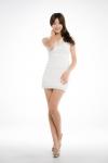 오로라IPL 광고모델 천이슬이 화이트원피스를 입은 화보를 공개했다.