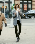 배우 고준희가 뉴욕 거리에 나타나 화제가 되고 있다.