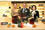 이딸라(Iittala)가 2월 24일 새롭게 리뉴얼 된 롯데백화점 잠실점 10층 프리미엄 리빙관(메종관)에 이딸라 매장을 공식 오픈했다.