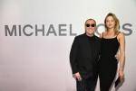 미국 대표 브랜드 마이클 코어스에서 미란다 아이웨어 컬렉션의 론칭을 기념하기 위해 멋진 이브닝 파티를 제공했다.