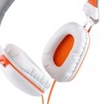 캔스톤어쿠스틱스가 패셔너블한 디자인과 프리미엄 사운드를 자랑하는 프로패셔널 스테레오 헤드폰 F&D H410을 국내에 정식 론칭했다.