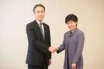 파나소닉의 그룹 브랜드 커뮤니케이션 사업부를 총괄하고 있는 타케야스 사토시(Satoshi Takeyasu) 파나소닉 코퍼레이션 대표(사진 왼쪽)와 이즈미 나가미츠(Izumi Nakamitsu) UNDP 재난구호국 간사/국장