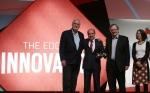 LG전자가 스페인 바로셀로나에서 열린 MWC 2015에서 LG G3로 최고의 스마트폰상을 수상했다