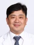 스포츠 의학과 무릎 관절 분야 명의로 유명한 김진구(51) 교수가 건국대병원에 새둥지를 틀었다.